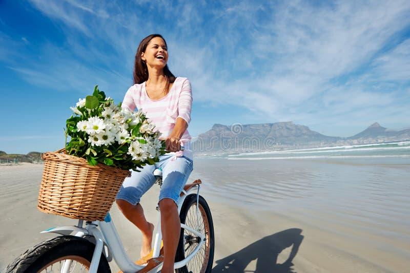 Bicicletta della montagna della Tabella fotografie stock libere da diritti