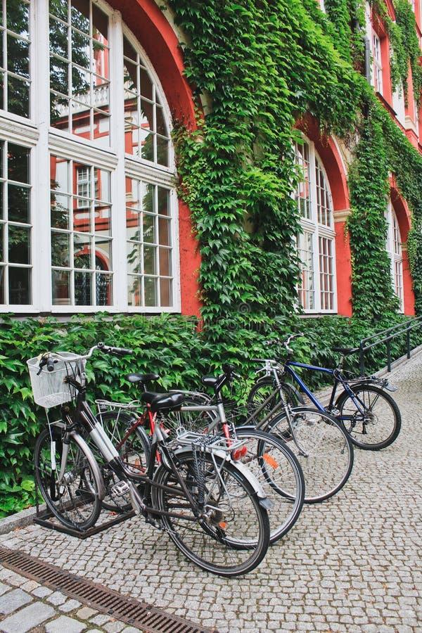 Biciclette parcked immagine stock libera da diritti