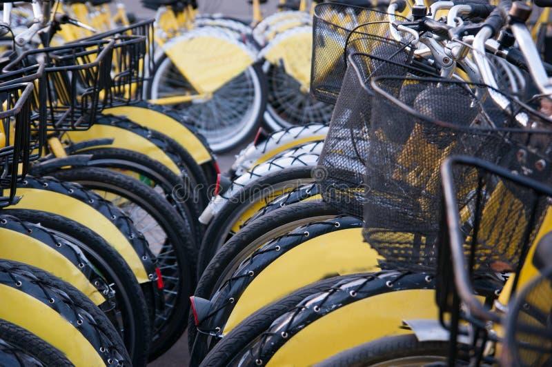 Download Bicis apiladas foto de archivo. Imagen de patrocinador - 64209594
