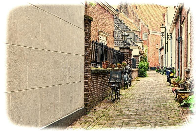 Bicis parqueadas en el centro histórico ilustración del vector