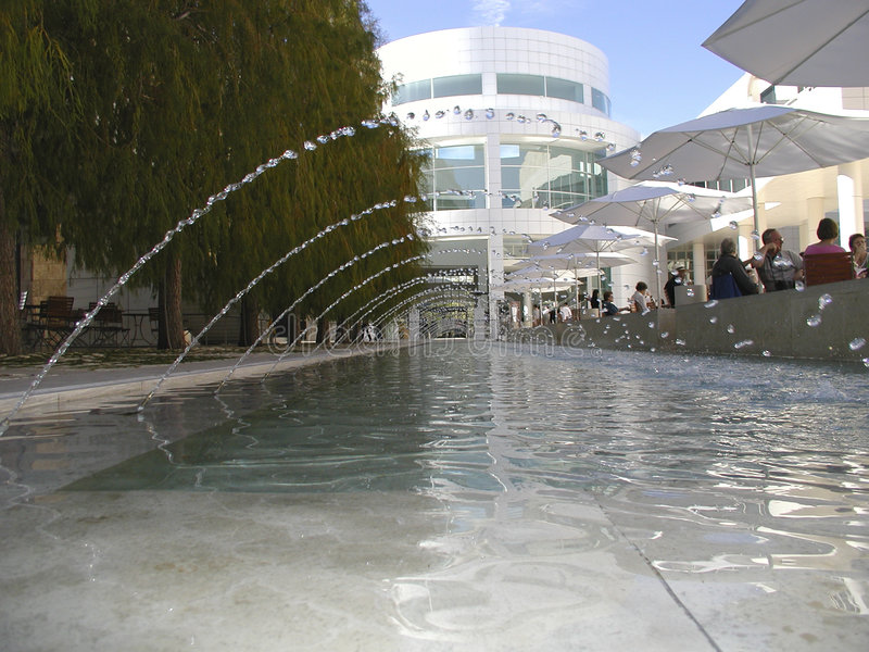 Download Bicos de água foto de stock. Imagem de árvores, ripples - 102168