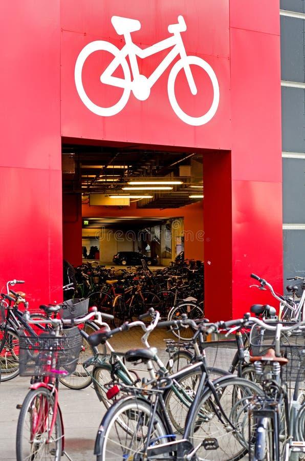 Bicycle стоянка автомобилей стоковое фото