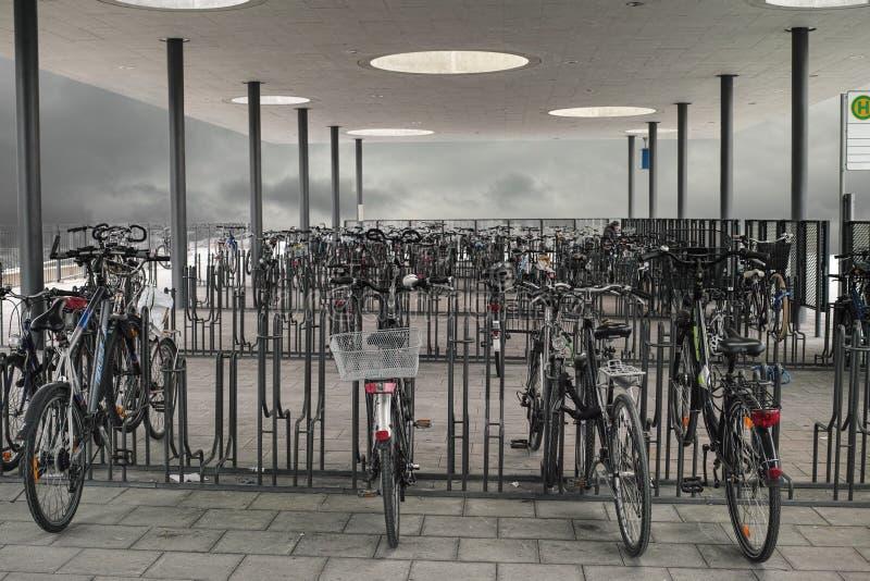 Bicycle стоянка автомобилей стоковое изображение rf