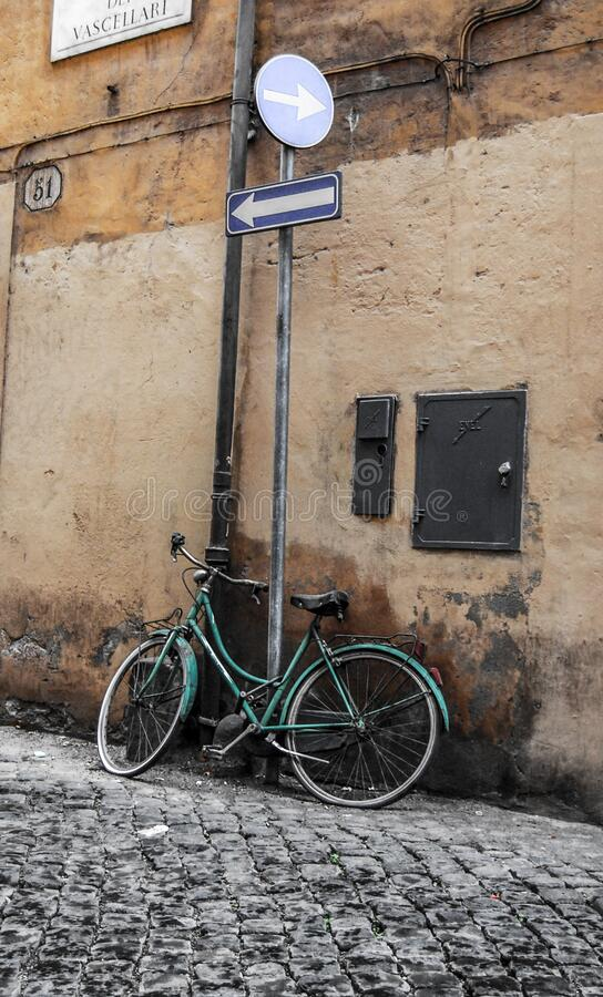 Bicycle, Rome, Italy Free Public Domain Cc0 Image