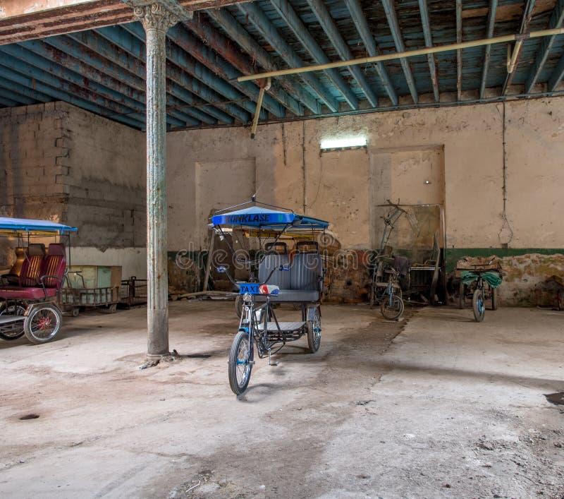 Bicycle Taxi Havana arkivbild
