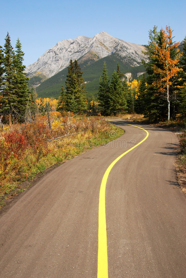 Download Bicycle Trail Royalty Free Stock Photos - Image: 6965288