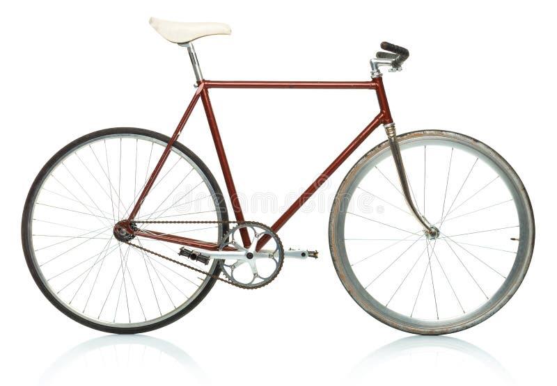 Bicyclette élégante de hippie - vitesse fixe d'isolement sur le blanc photographie stock libre de droits