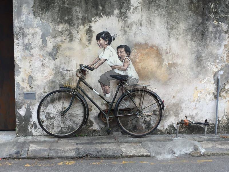 Bicyclette de soeur de frère de la Malaisie Pulau Pinang George City photo stock