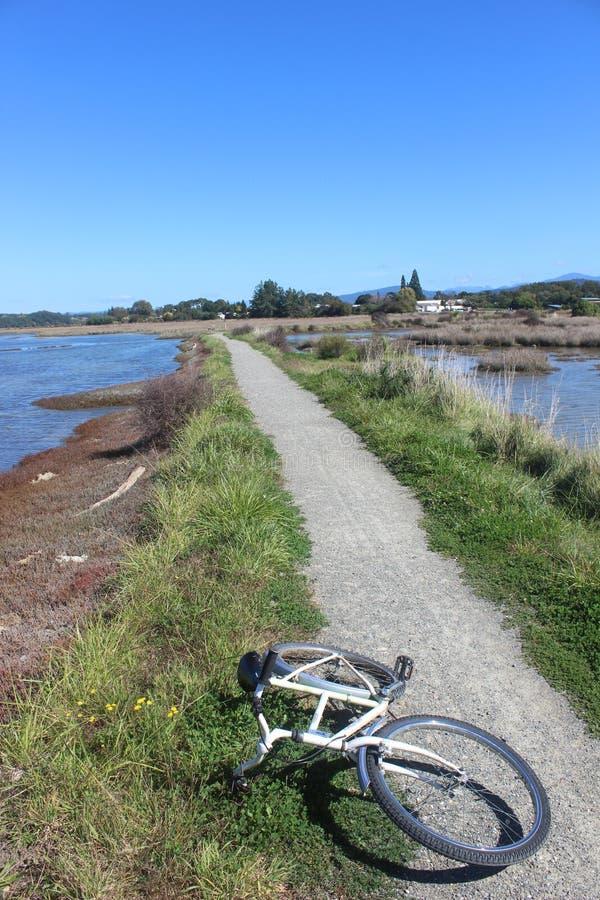 Bicyclette dehors dans le motueka Nouvelle Zélande photo libre de droits