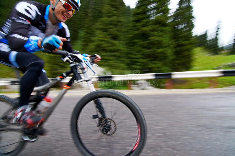 Download Bicycling Uphill Competition Editorial Stock Photo - Image: 32415963