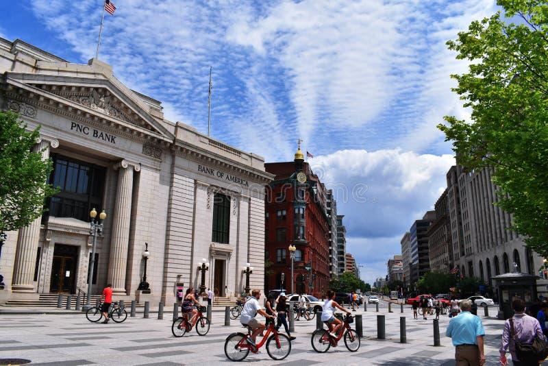 Bicyclist życie w ulicie fotografia stock