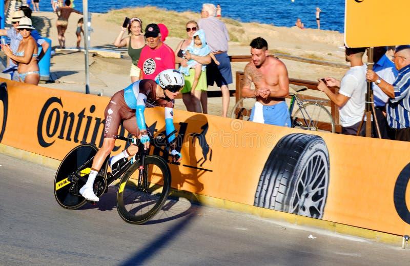 Bicyclist racers nemen deel aan de wedstrijd La Vuelta royalty-vrije stock afbeeldingen