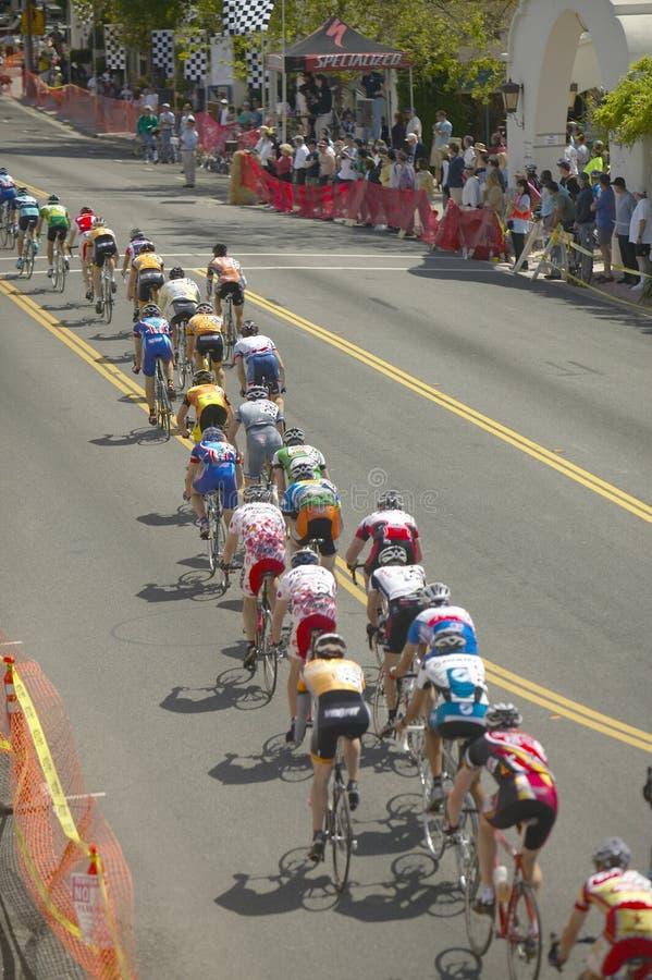 Bicyclists amadores dos homens imagem de stock
