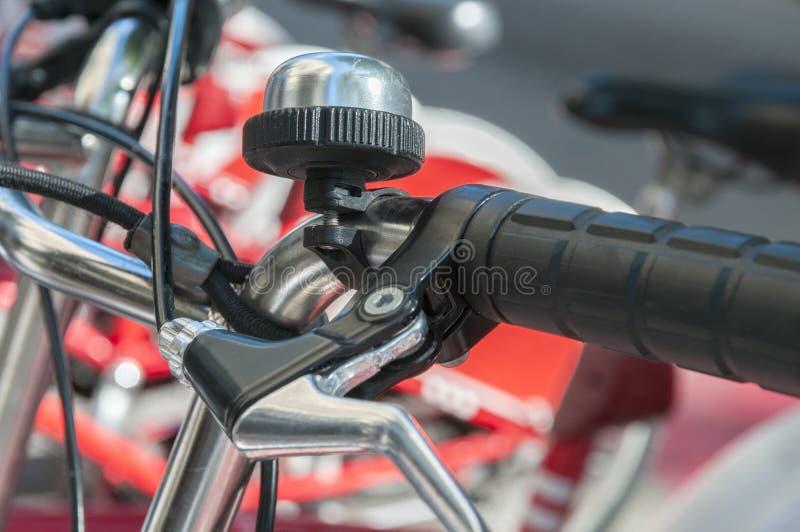 Bicykl parkujący obrazy royalty free