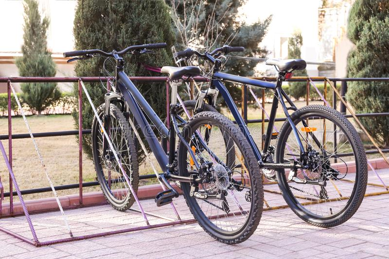 Bicykle w parking zdjęcie stock