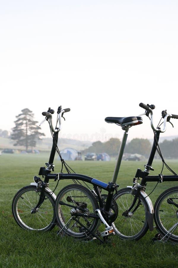 bicykli/lów target2445_1_ obrazy royalty free