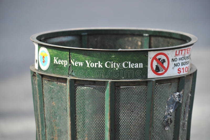 Bidon d'ordures de New York City photos stock