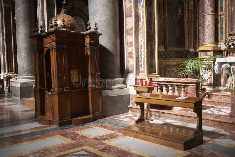 Biecht bij de kerk royalty-vrije stock afbeelding