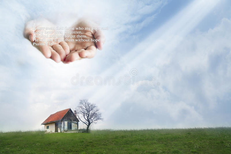 Bieda dom ochraniający rękami bóg Wycena od psalmu 9:18 fotografia stock