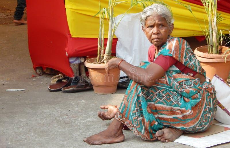 Biedna Indiańska starsza kobieta zdjęcie stock