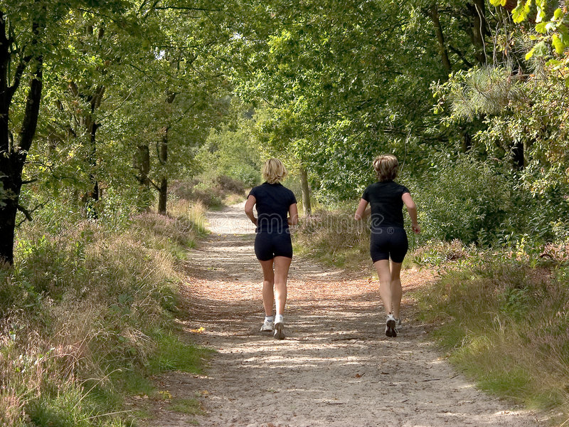 biegałam dwie kobiety. fotografia royalty free
