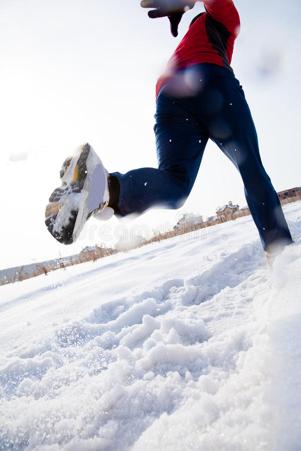 Biegacz w zimie zdjęcie royalty free