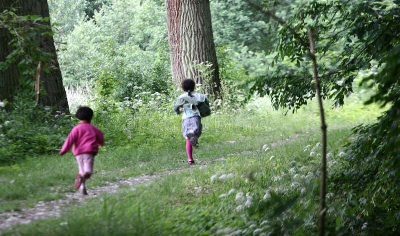 biegnij zielone dziecko obrazy stock