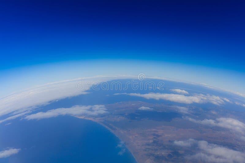Biegung von Planetenerde Ansicht von oben lizenzfreie stockfotografie