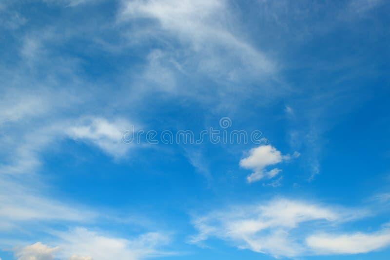 biel chmura na niebie obrazy stock