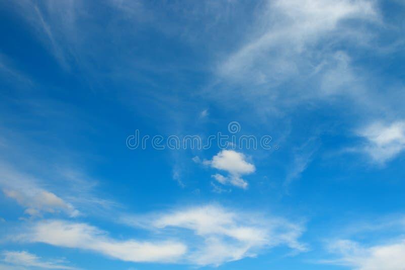 biel chmura na niebie obraz royalty free
