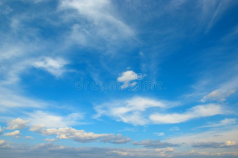 biel chmura na niebie fotografia royalty free