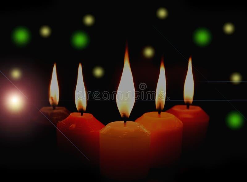 Download Biel, Kolor żółty, Menchia, Purpurowe świeczki Na Czarnym Tła Bokeh Ilustracji - Ilustracja złożonej z zmrok, kardamon: 57658148