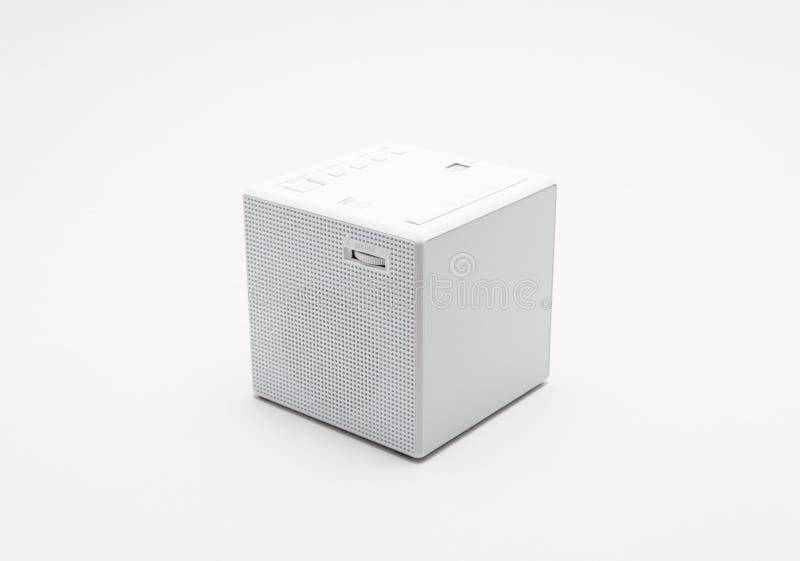 Biel, kwadrata cyfrowy zegar na białym tle z ścinek ścieżką zdjęcia stock