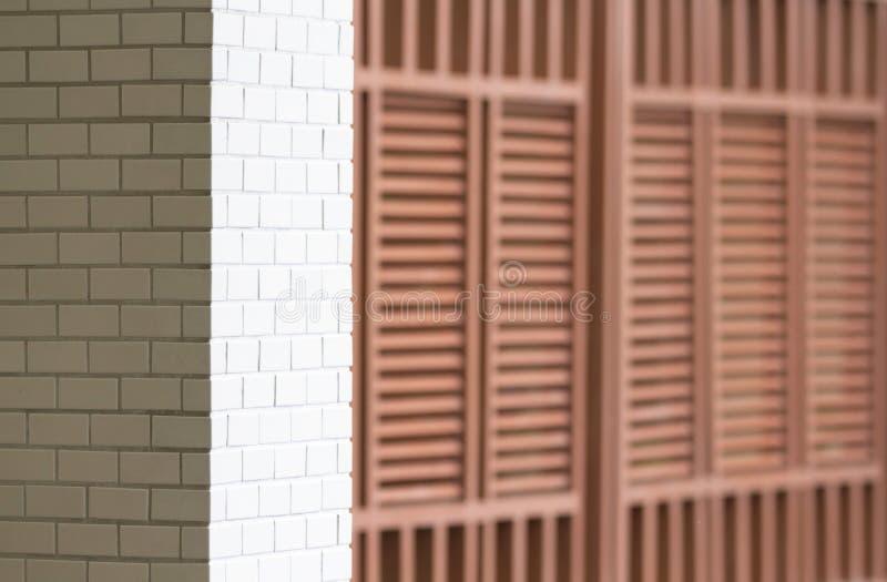 Biel taflujący ścienny i drewniany lath ściany wzór fotografia stock