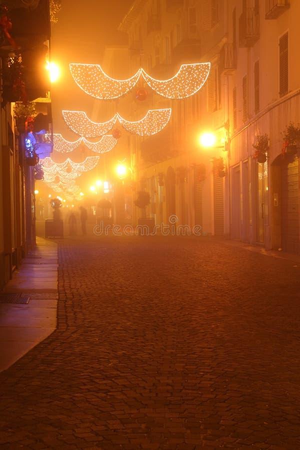Biella par nuit images stock