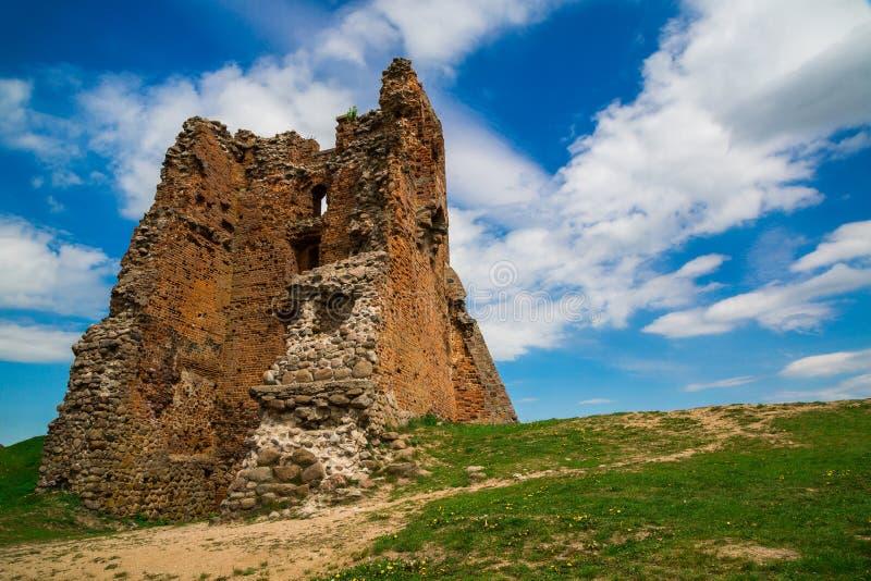 Bielorrusia, el castillo en Novogrudok fotos de archivo