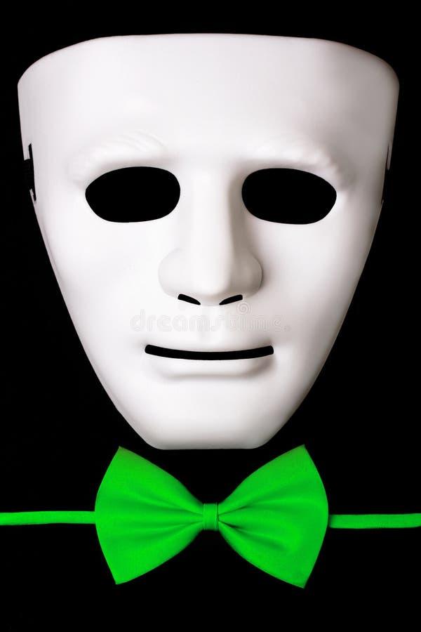 Download Bielu Maskowy I Zielony łęku Krawat Zdjęcie Stock - Obraz złożonej z target30, dżentelmeński: 57652420
