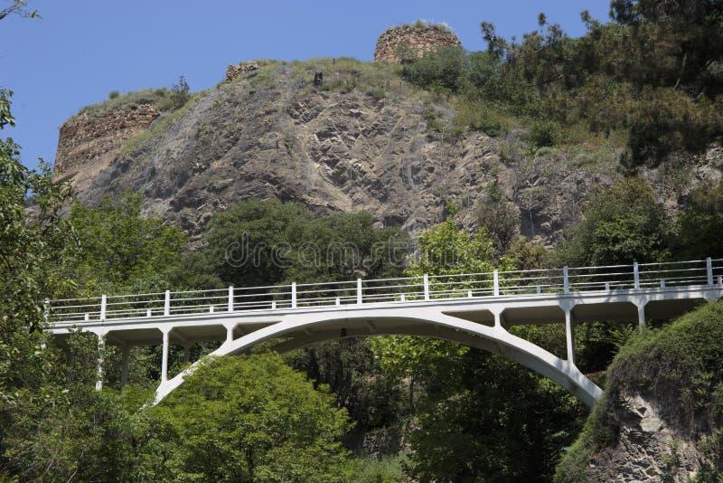 Bielu most nad halnymi rzekami fotografia royalty free
