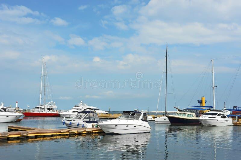 Bielu motorowy jacht zdjęcia royalty free