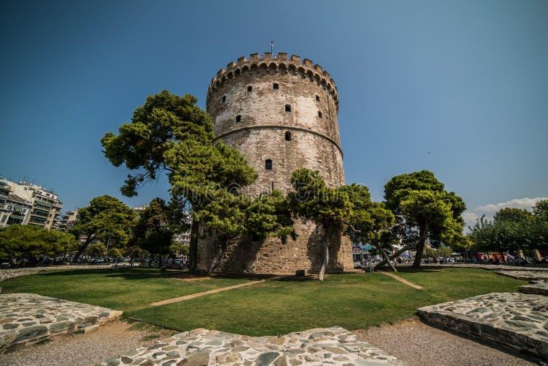 Bielu wierza Saloniki, Grecja - dzień z Szerokim kątem Le fotografia stock
