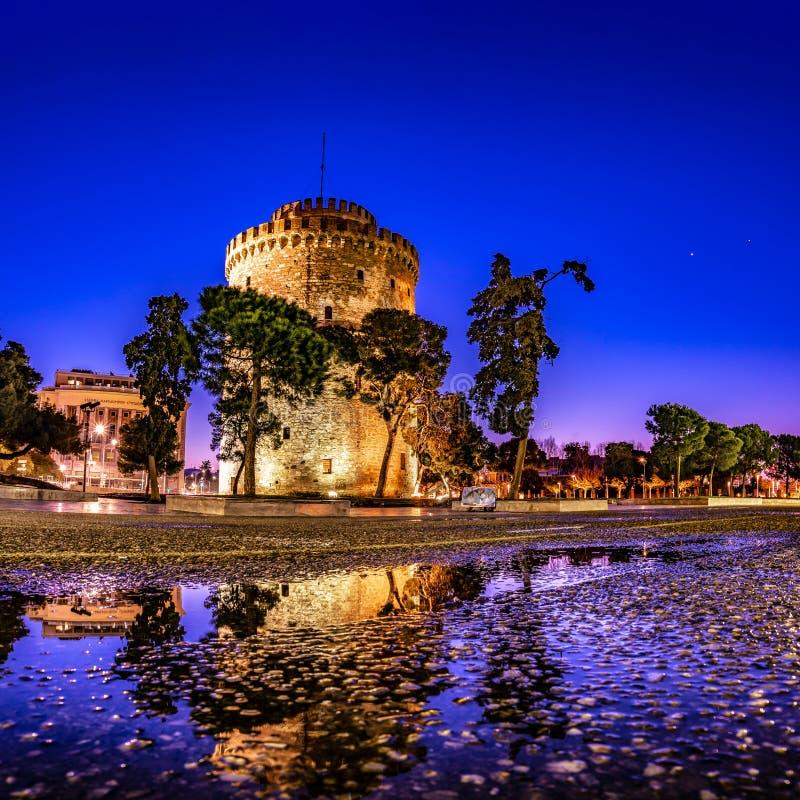 Bielu wierza Saloniki miasto przy świtem fotografia royalty free
