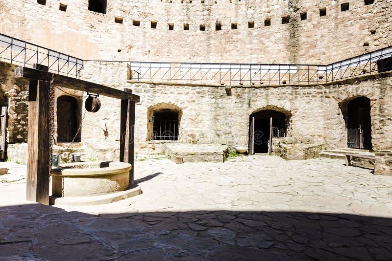 Bien dans la forteresse photos libres de droits