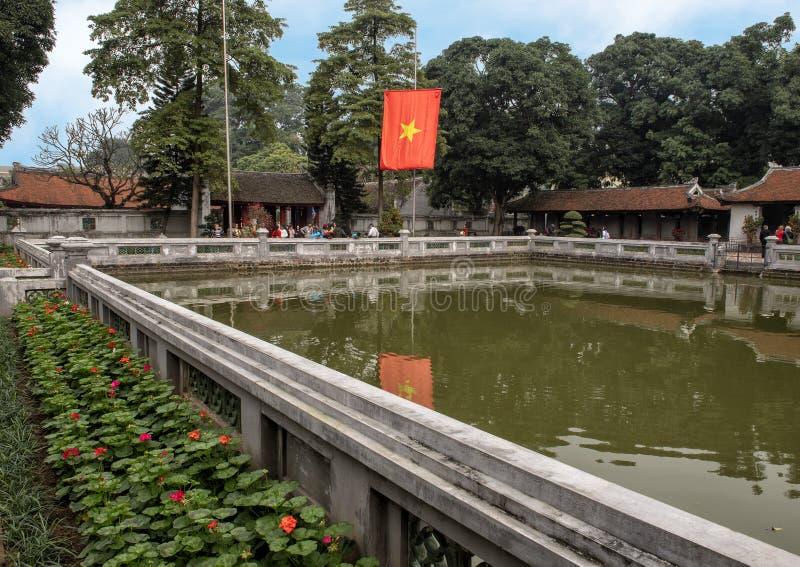 Bien de la brillantez divina, tercer patio, templo de la literatura, Hanoi, Vietnam fotografía de archivo