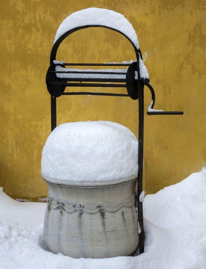Bien en invierno en la ciudad vieja Plovdiv Bulgaria foto de archivo libre de regalías
