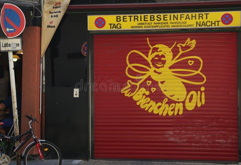 Biene Wand-Köln, Deutschland lizenzfreie stockbilder