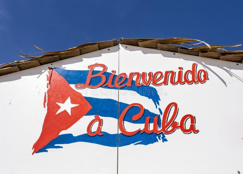 Bienvenido en Kuba - välkomnande till Kubatecknet arkivfoton