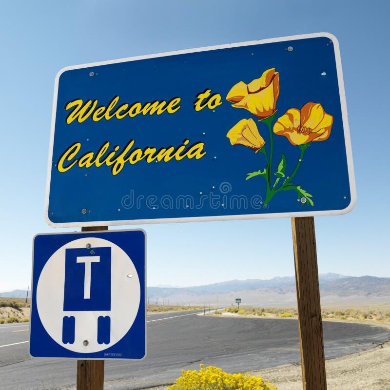 Bienvenue au signe de la Californie. photos stock