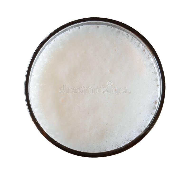 Bier in der Glasplatteansicht lokalisiert auf weißem Hintergrund, Weg stockfotos