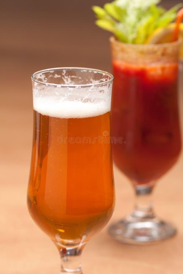 Bier en bloedige Mary royalty-vrije stock afbeelding