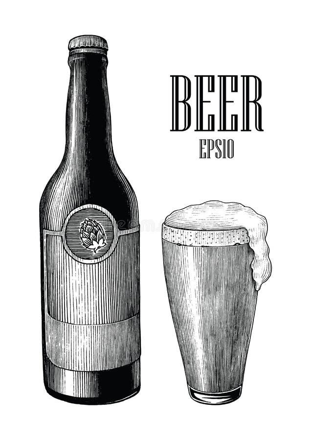 Bier en mok trekt de uitstekende hand geïsoleerde gravurestijl op wit vector illustratie